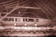 Dachkonstruktion-ueber-dem-Stallteil-waehrend-des-Umbaus