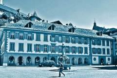 Gesamtansicht-vom-Rathausplatz-aus-heutiger-Zustand